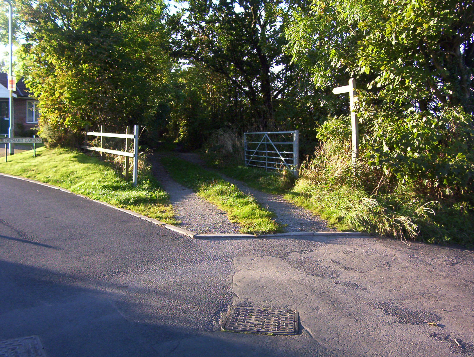 Houghton - Kingstown Link (Start of Footpath at Houghton)